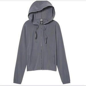 VS Sport athletic jacket/windbreaker with hood xs